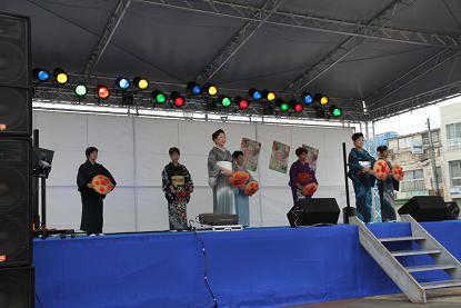 手踊り歌謡ショー!